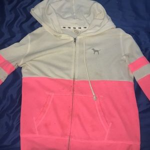 Super cute zip of hoodie from pink size small!